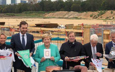 Kanzlerin bei DFB Grundsteinlegung